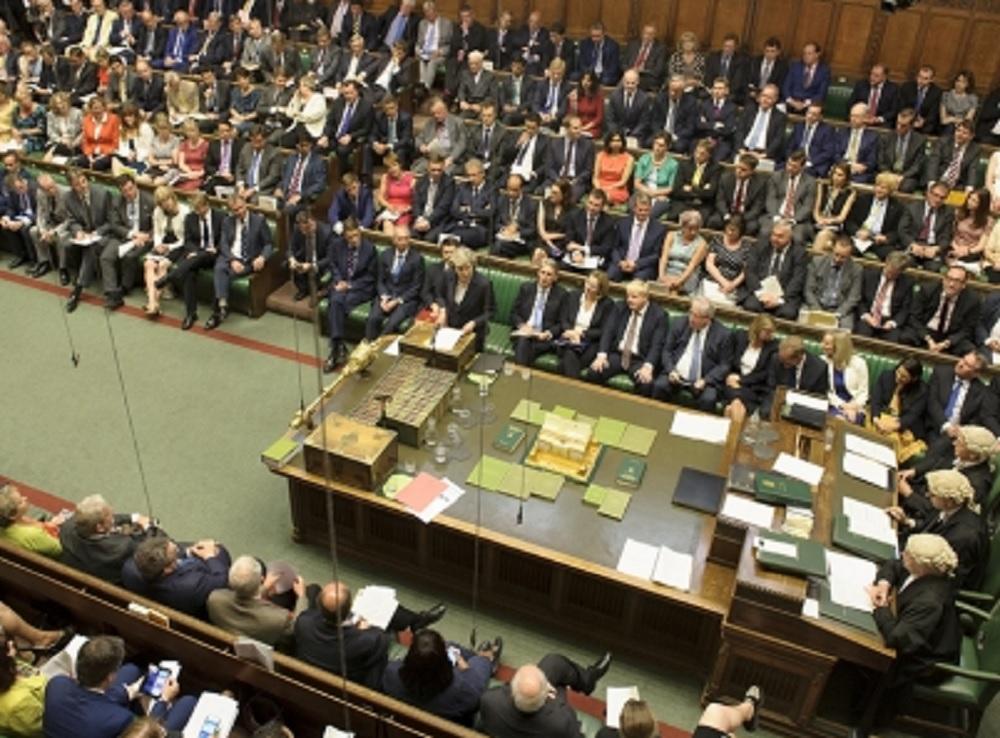 Rechaza parlamento británico salir de la Unión Europea sin acuerdo