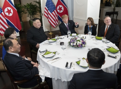 De «diálogo productivo» califica prensa norcoreana cita Trump-Kim