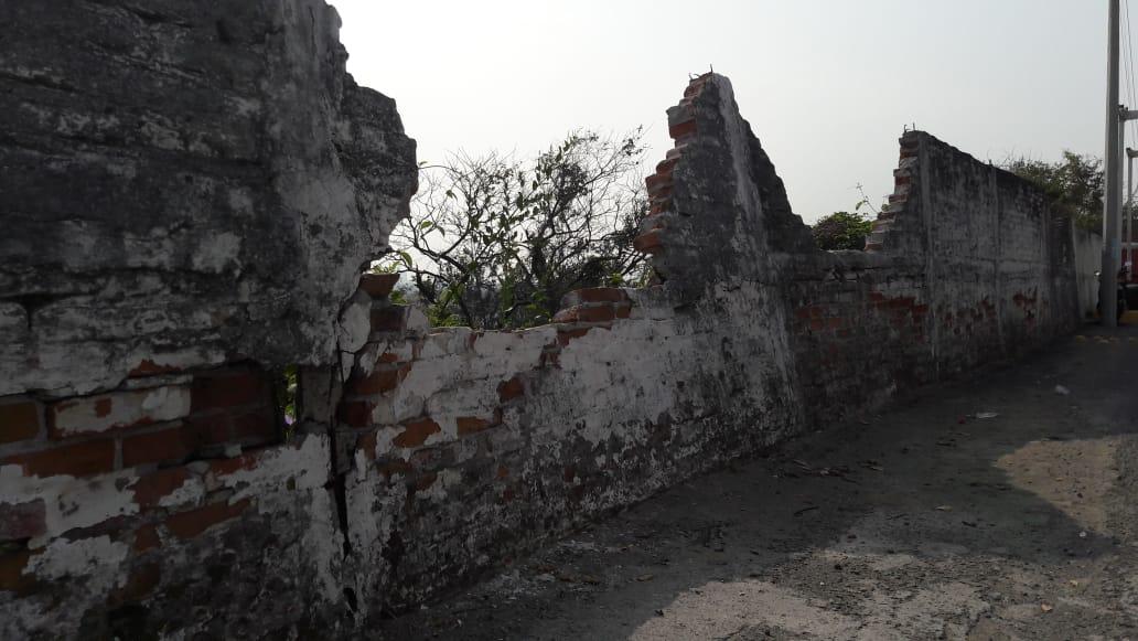 A punto de caer barda del zoológico de Veracruz