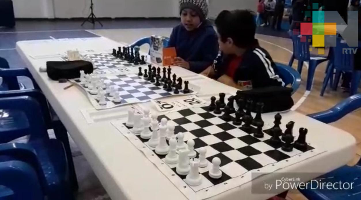 Fomentan la práctica de ajedrez en Tuxpan