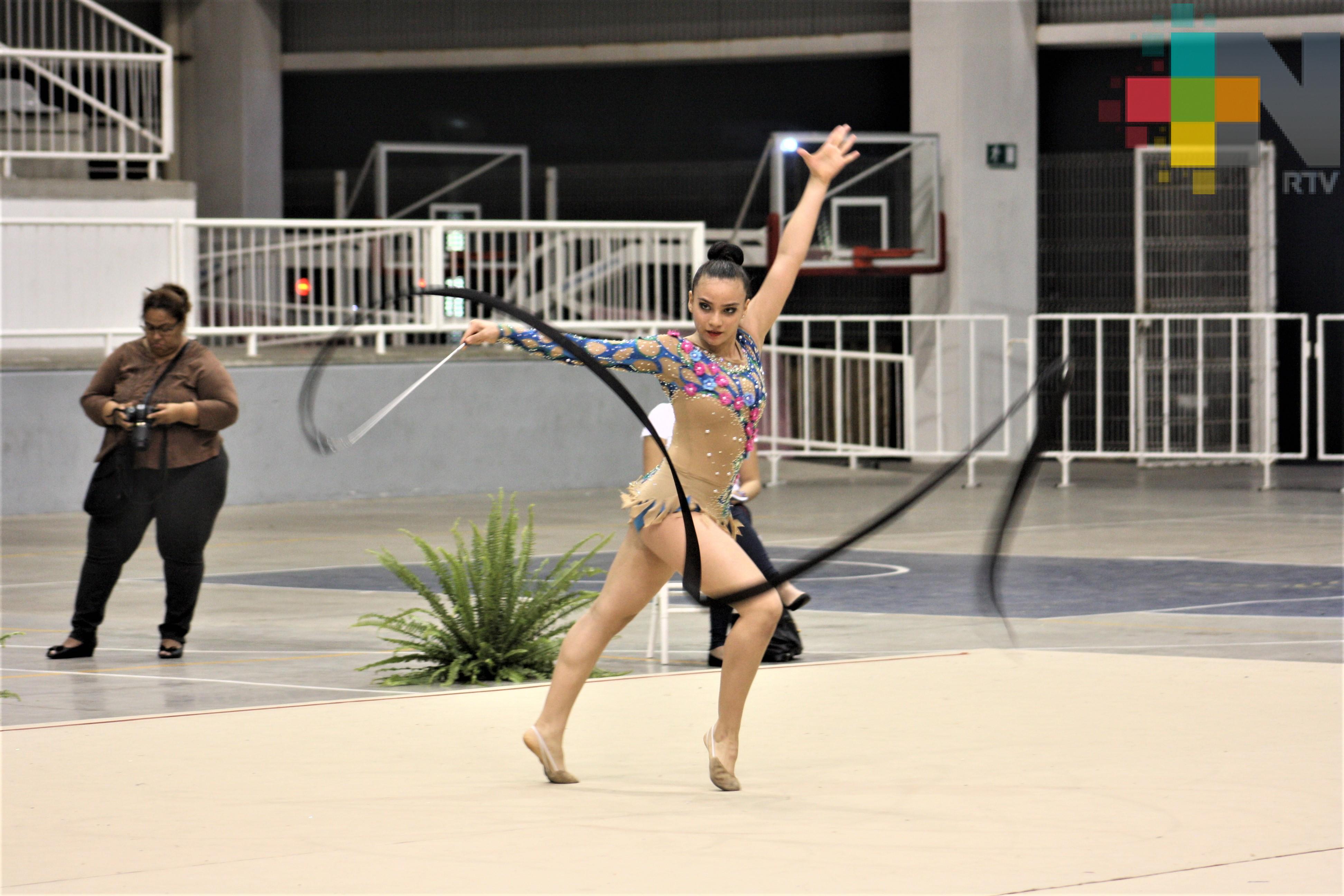 Destaca medallista nacional en gimnasia rítmica en Olimpiada Estatal