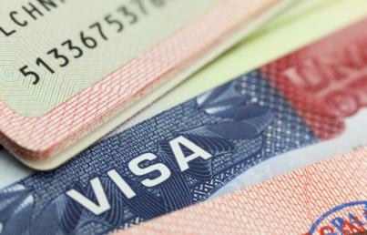 Adultos mayores recibirán visas a través del programa de reunificación familiar