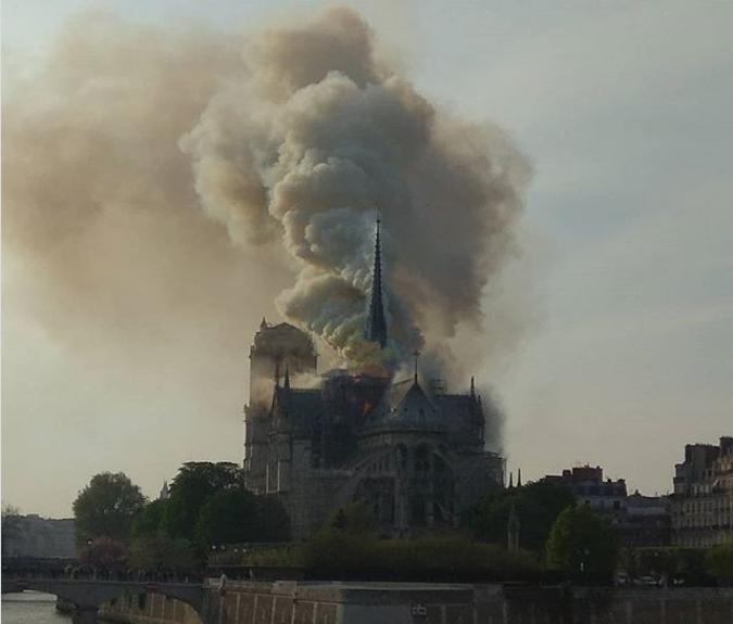 Arquitectos del mundo convocados para reconstruir aguja de Notre Dame