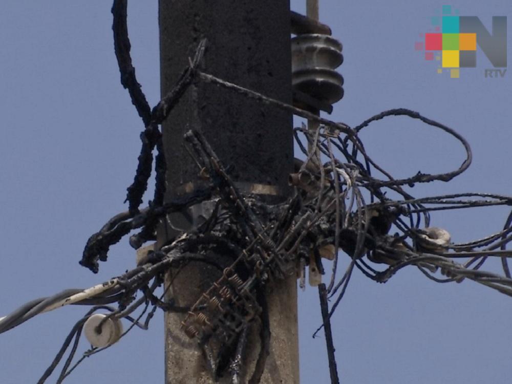 Más de 40 familias de Coatzacoalcos tienen cinco días sin servicio de energía eléctrica