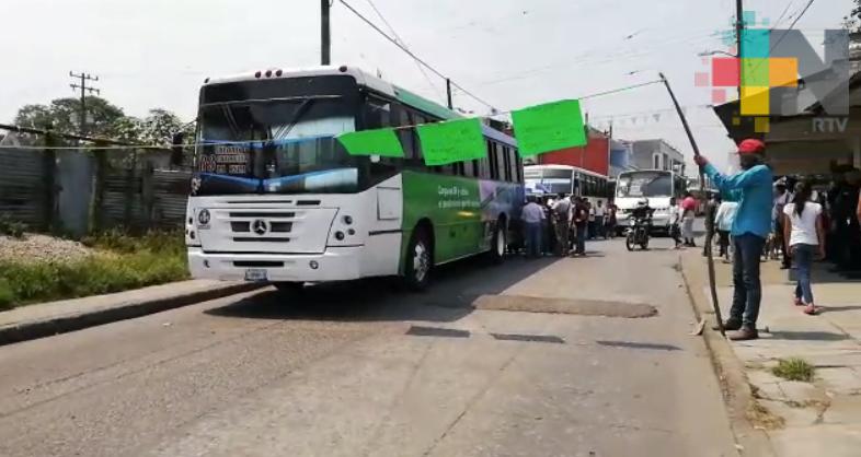 Protestan contra servicio de transporte en Córdoba