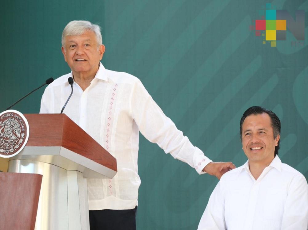 No se van a escapar, vamos a resolver la masacre en Minatitlán: Gobernador