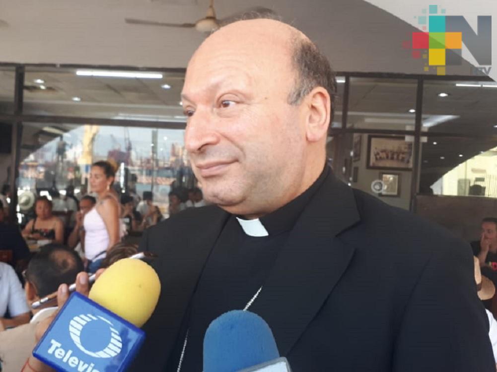 Llega Nuncio Apostólico Franco Coppola a Xalapa para festejos de San Rafael Guízar y Valencia