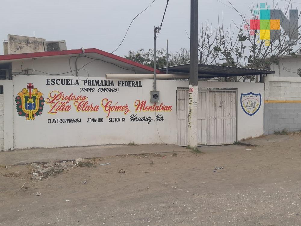 Piden construir barda en primaria de Veracruz para evitar robos