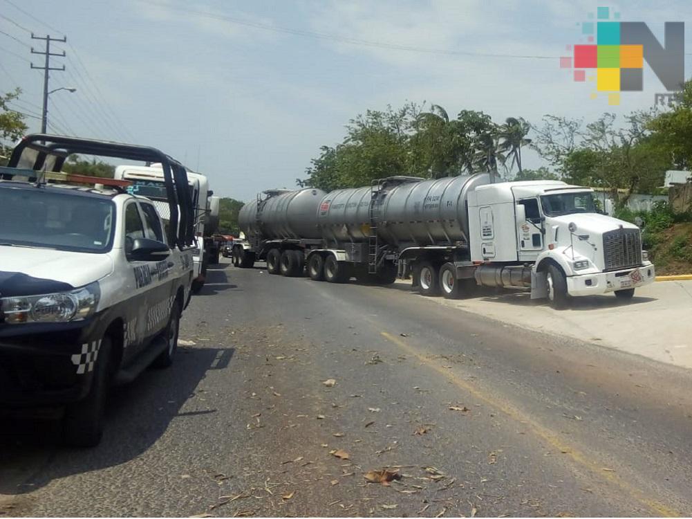 Sedena y Policía Federal recuperan auto tanques cargados de turbosina