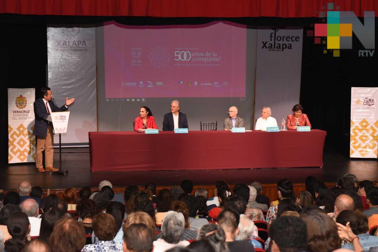 Participó el gobernador Cuitláhuac García en el debate y reflexión a 500 años de la ¿Conquista?