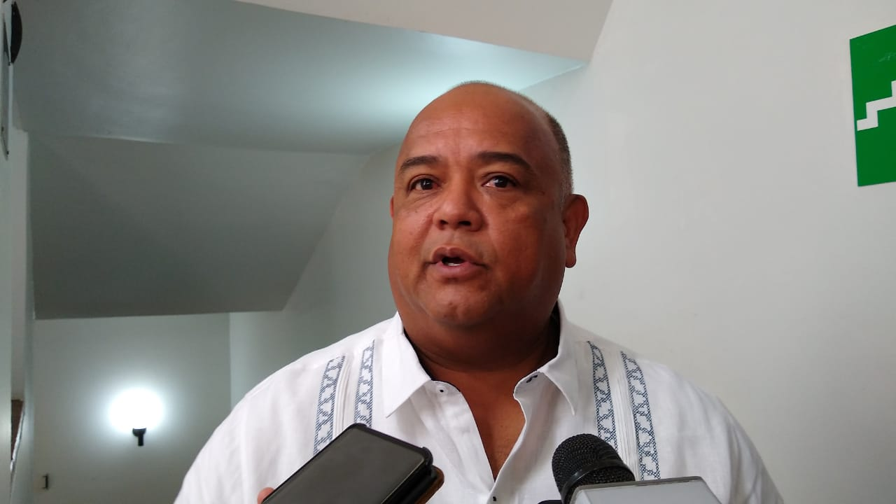 Gobierno dará nombres de empresas que obtuvieron licitaciones: Eric Cisneros