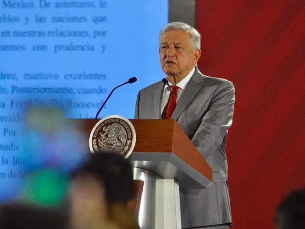 México cumple con su responsabilidad en política migratoria, dice AMLO