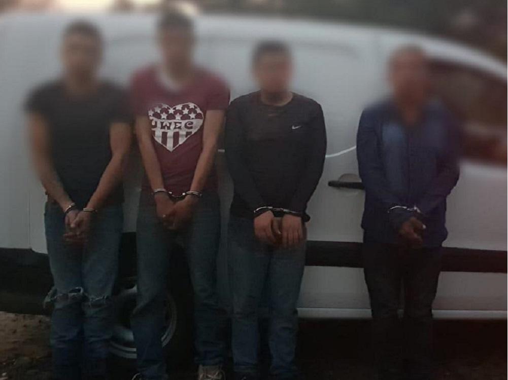 Detienen a cuatro personas por portación ilegal de armas, en Actopan