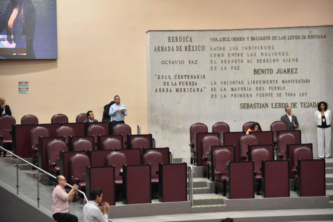 Diputados panistas ausentes en la sesión del Congreso local