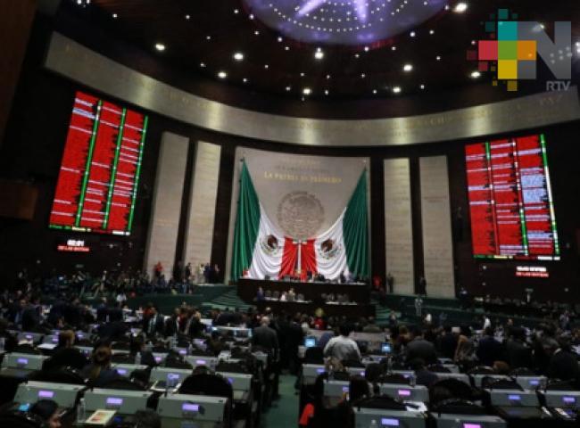Validan diputados leyes de reforma educativa; toca el turno al Senado
