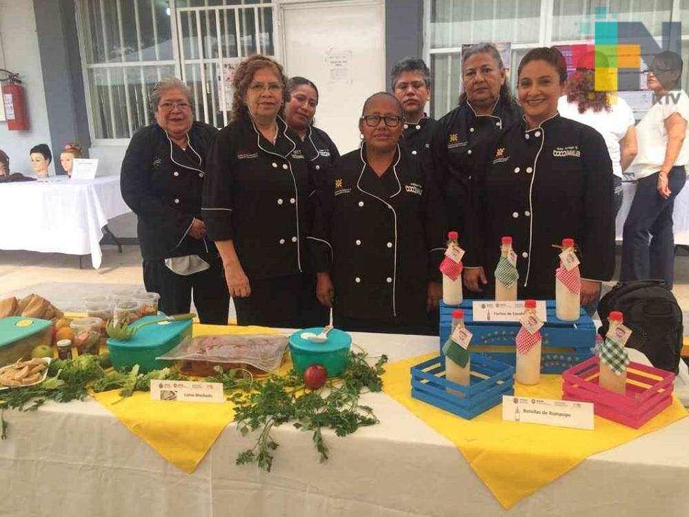 Icatver entrega diplomas a estudiantes en la ciudad de Veracruz