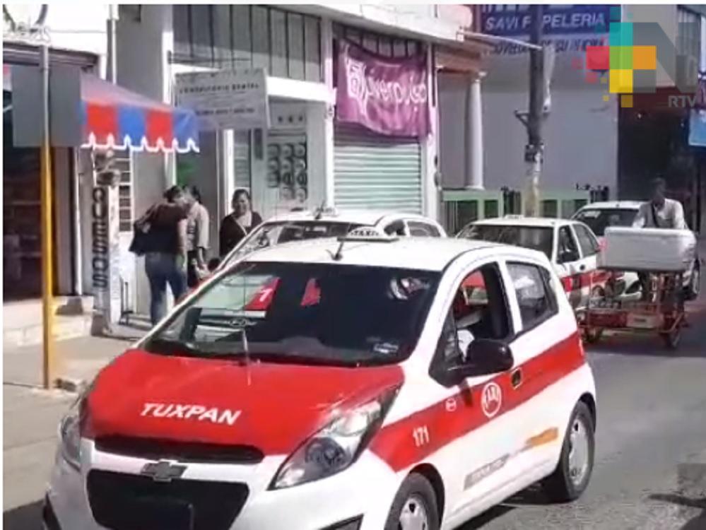 Taxistas de Tuxpan rechazan ingreso del servicio de transporte Uber