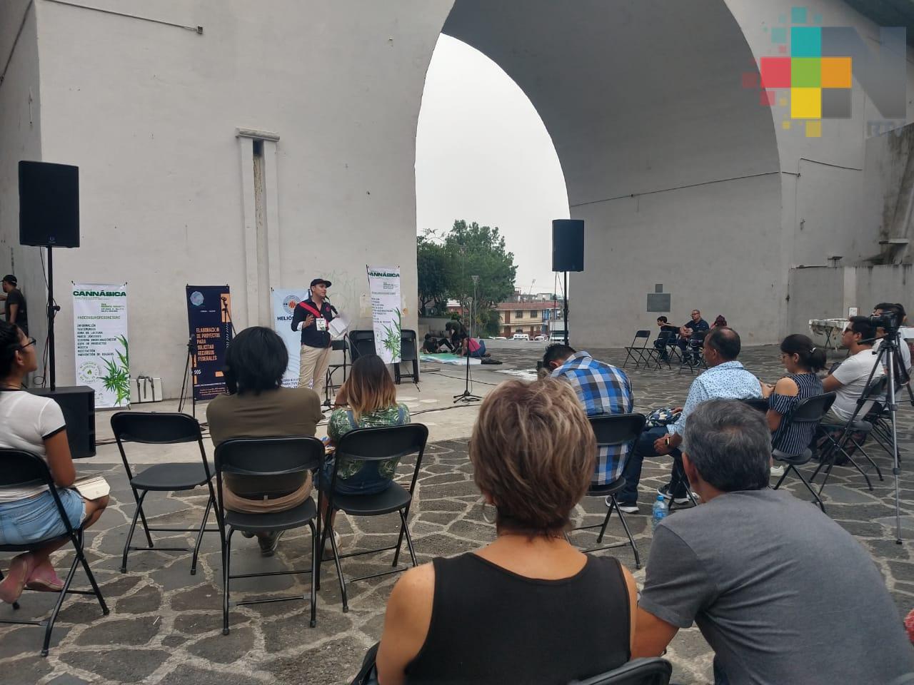 Realizaron en Xalapa foro abierto para promover la despenalización del uso medicinal y recreativo de la marihuana