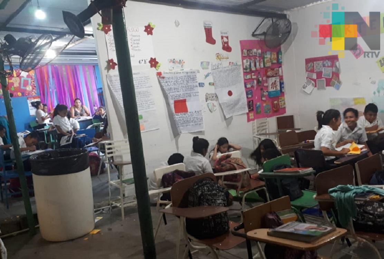 Ya son nueve años que 194 alumnos toman clases en casas habilitadas como escuela