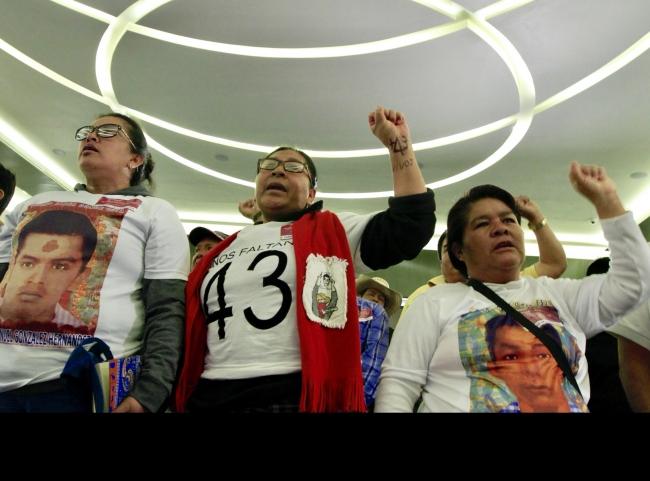 Localiza FGR restos de un normalista de Ayotzinapa