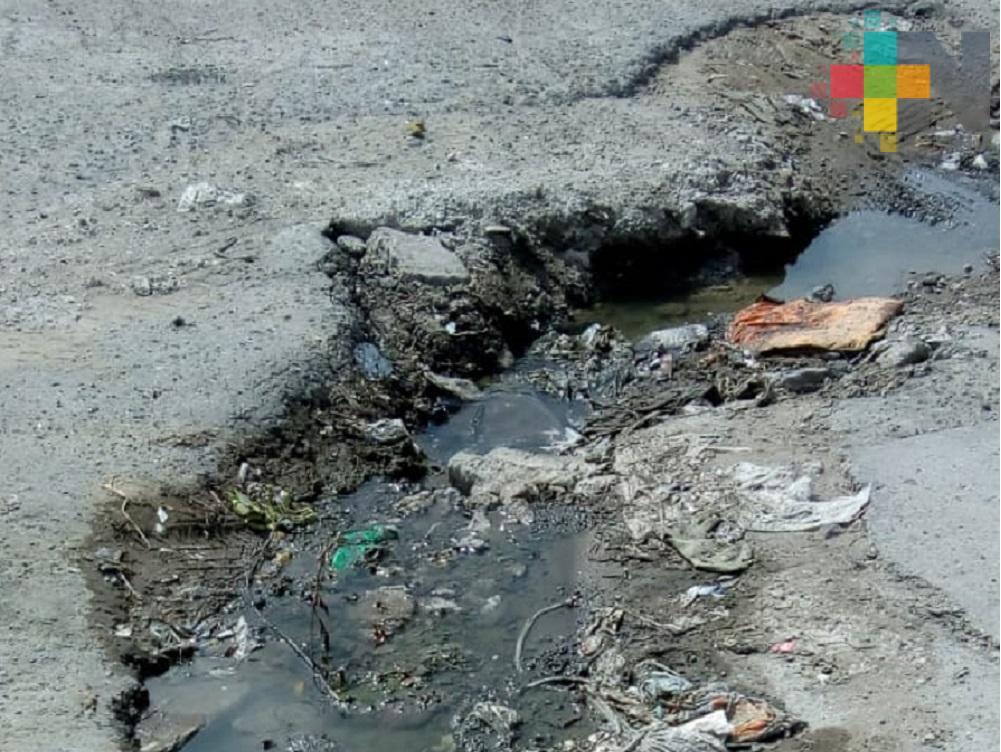 Ayuntamiento de Veracruz y Grupo MAS sin dar respuesta para reparar calle Tlalixcoyan