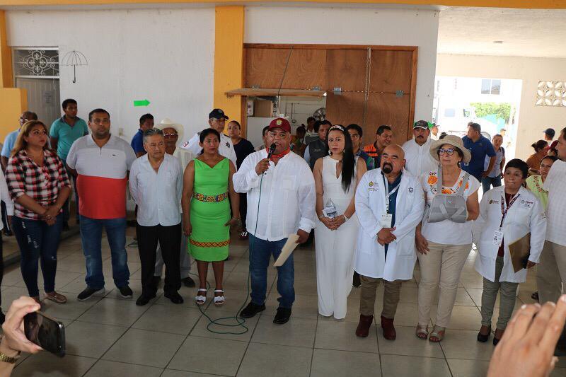 Anuncia Eric Cisneros remodelación del centro de salud de Tlacojalpan