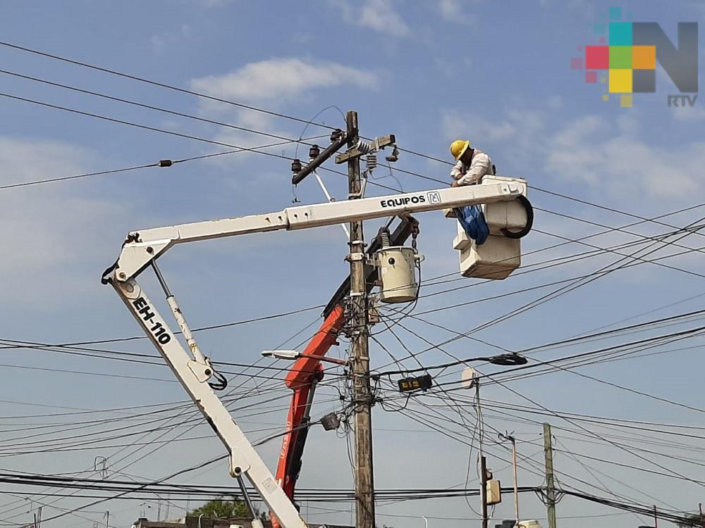De inmediato restableció la CFE en seis estados, el 96 por ciento del suministro eléctrico afectado por «Cristobal»