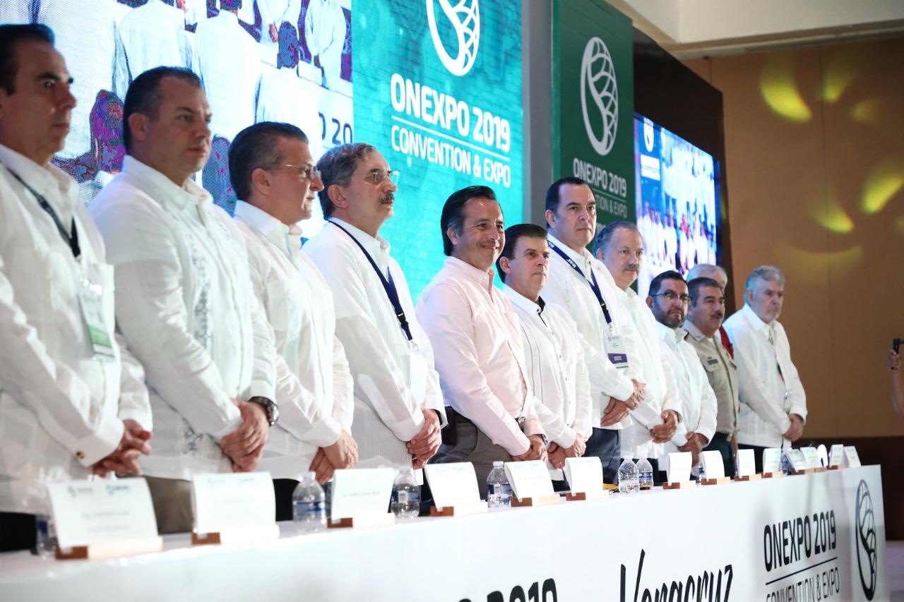 Convoca el Gobernador al sector empresarial a fortalecer el mercado interno