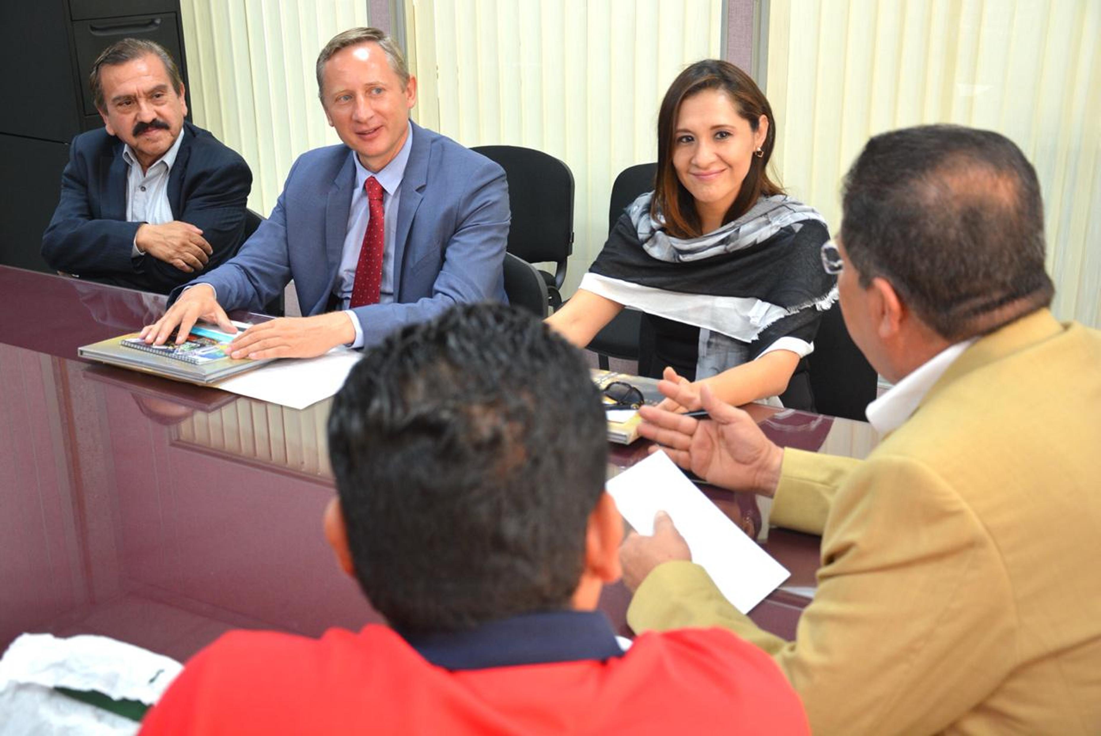 Dialogan diputados locales con representantes de la Embajada México-Rusia