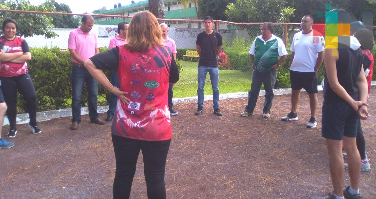 Saby Luna dio charla motivacional rumbo a Carrera Coatepec Pueblo Mágico