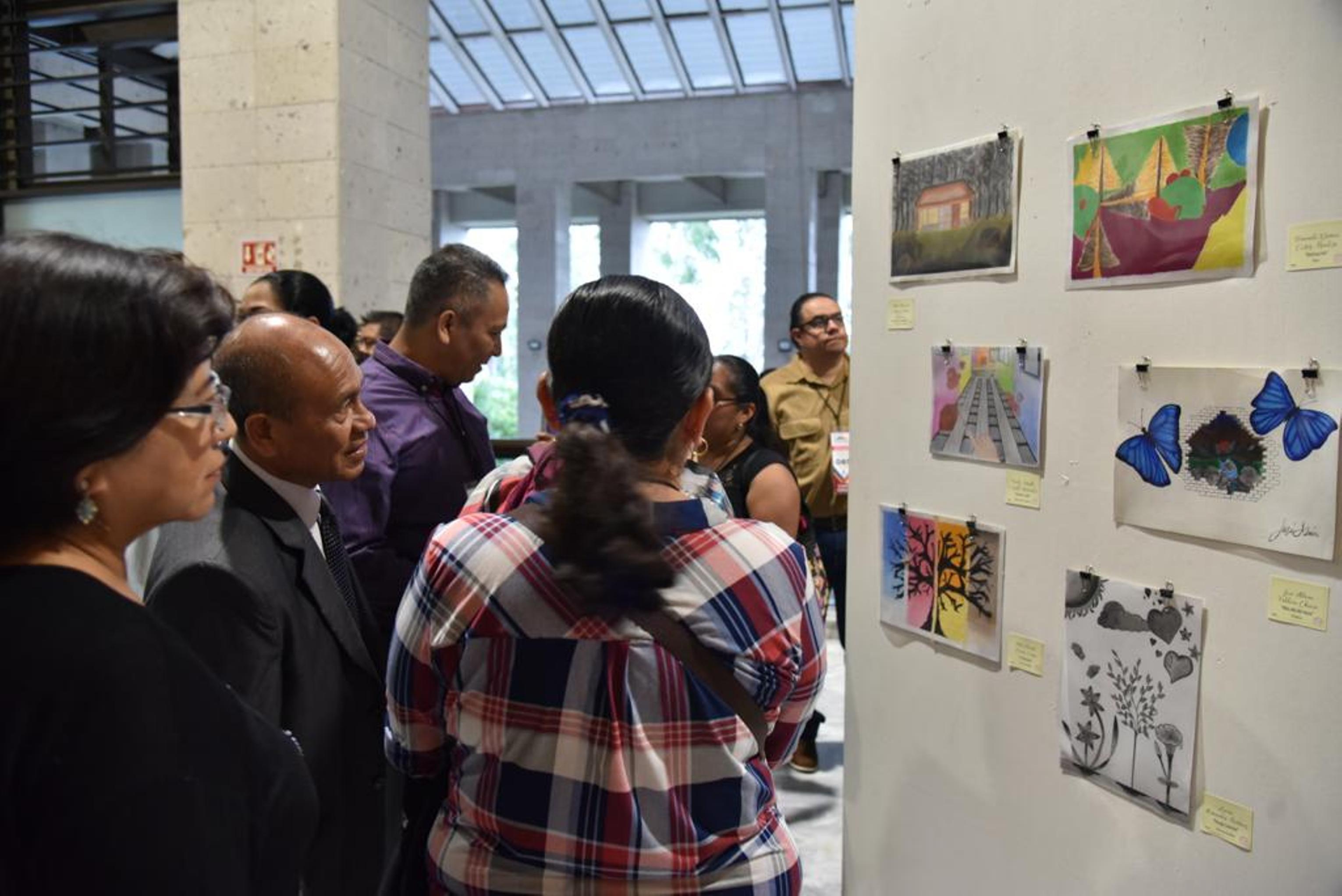 En el Congreso de Veracruz, inauguran ExpoArte Talento 105