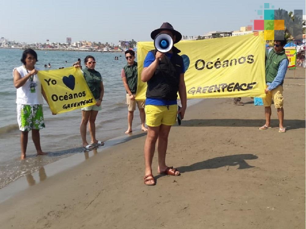 Greenpeace México organiza jornada de limpieza en playa Villa del Mar