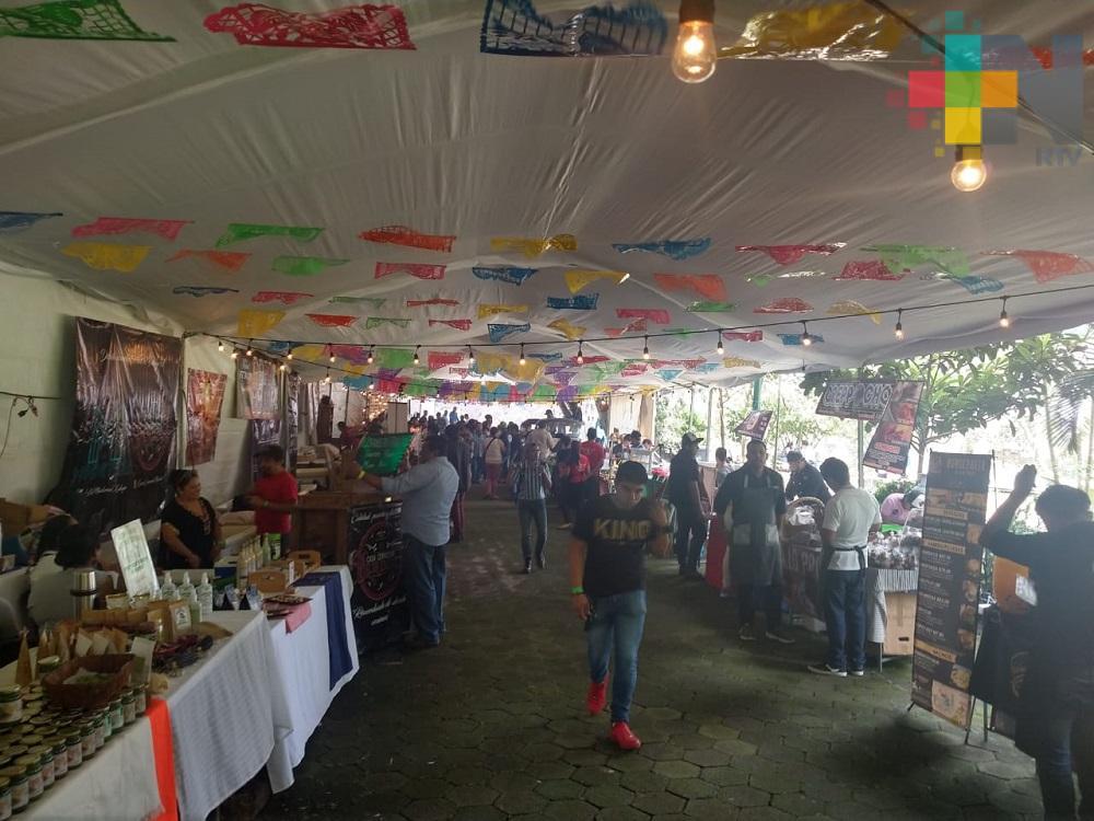 Icatver de ocho municipios realizan primera Expoferia Regional en Xalapa