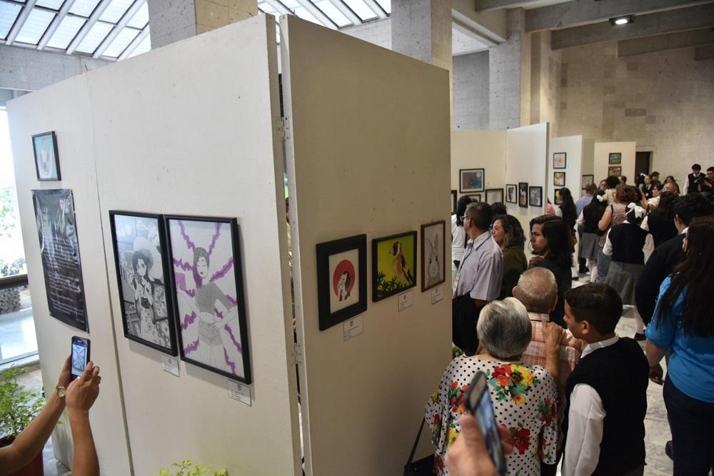 Estudiantes instalan XXVII Muestra de Artes Visuales en el Congreso del Estado