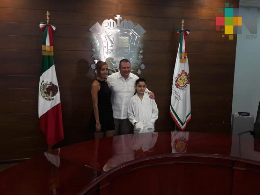 Por un día, hay alcaldesa juvenil y presidente infantil en Boca del Río