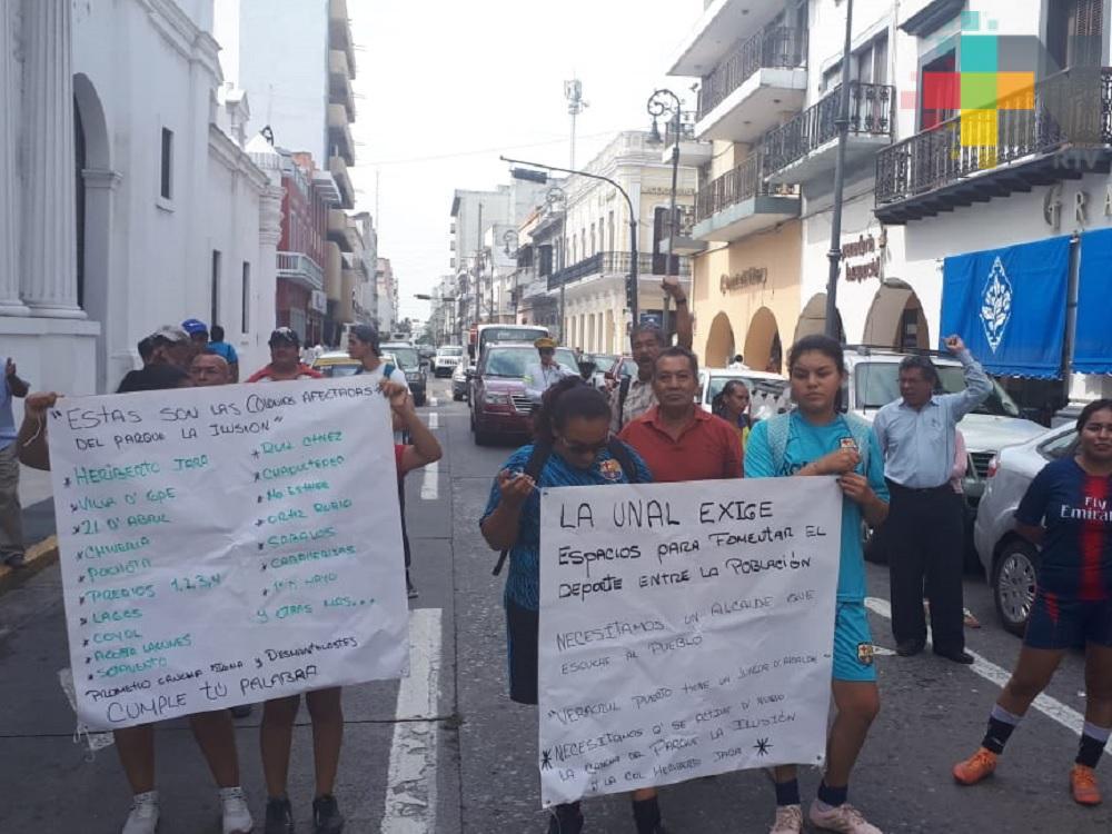 Vecinos exigen al municipio de Veracruz les devuelvan parque La Ilusión