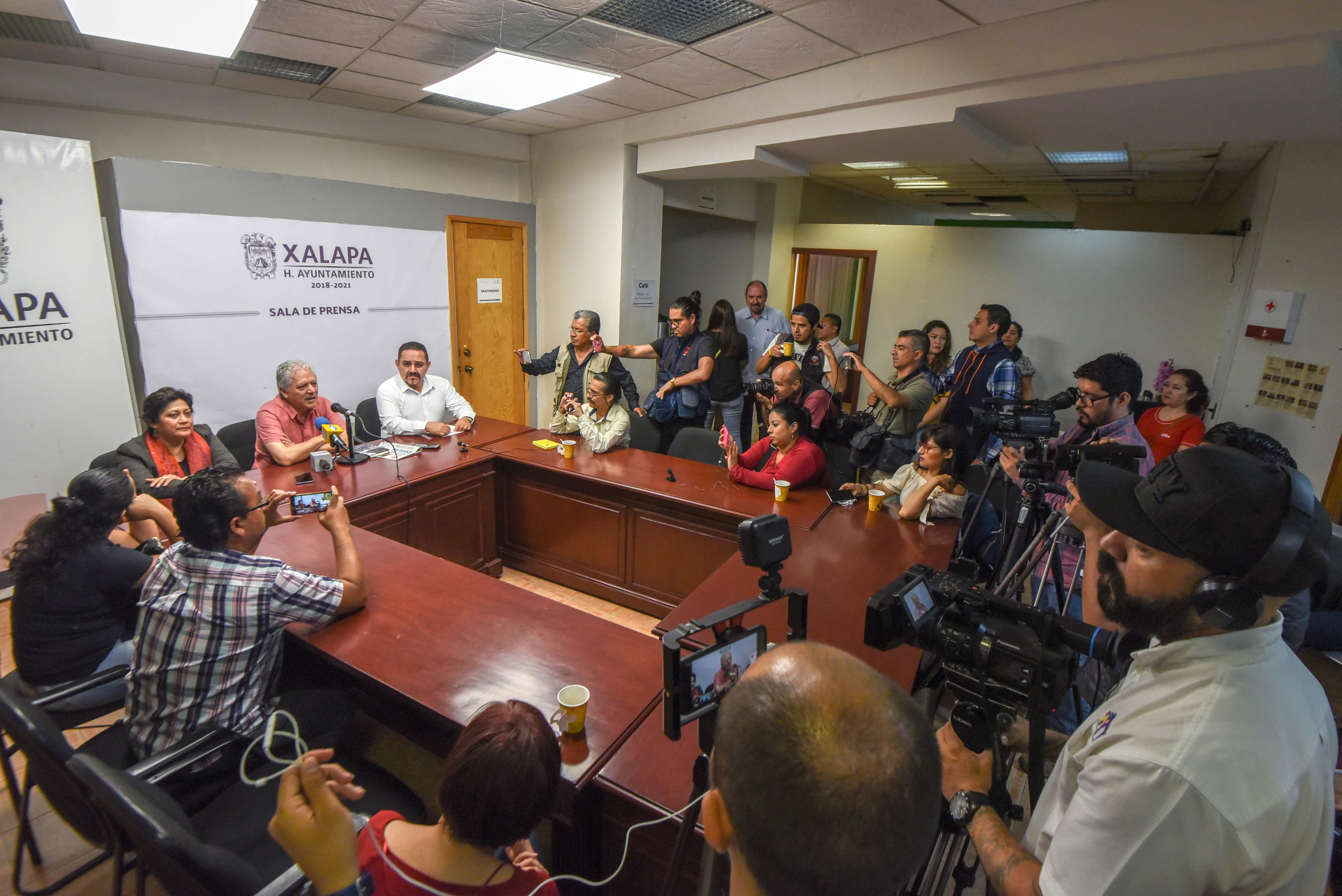 Ayuntamiento de Xalapa dialogó con personal de Limpia Pública para terminar con paro de labores