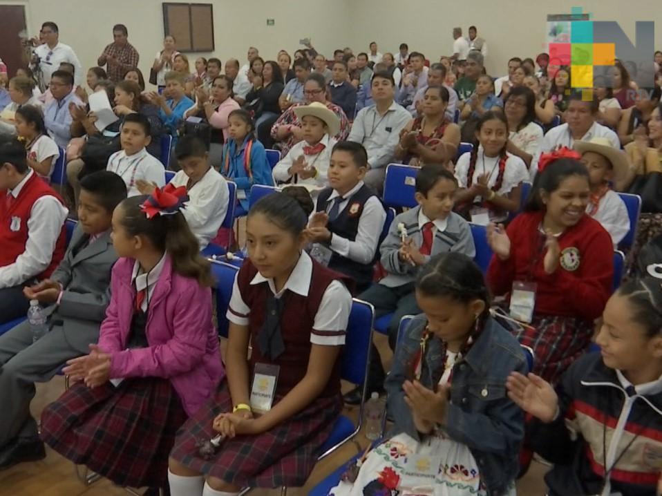Concurso de declamación reúne a varios niños de diferentes municipios de Veracruz
