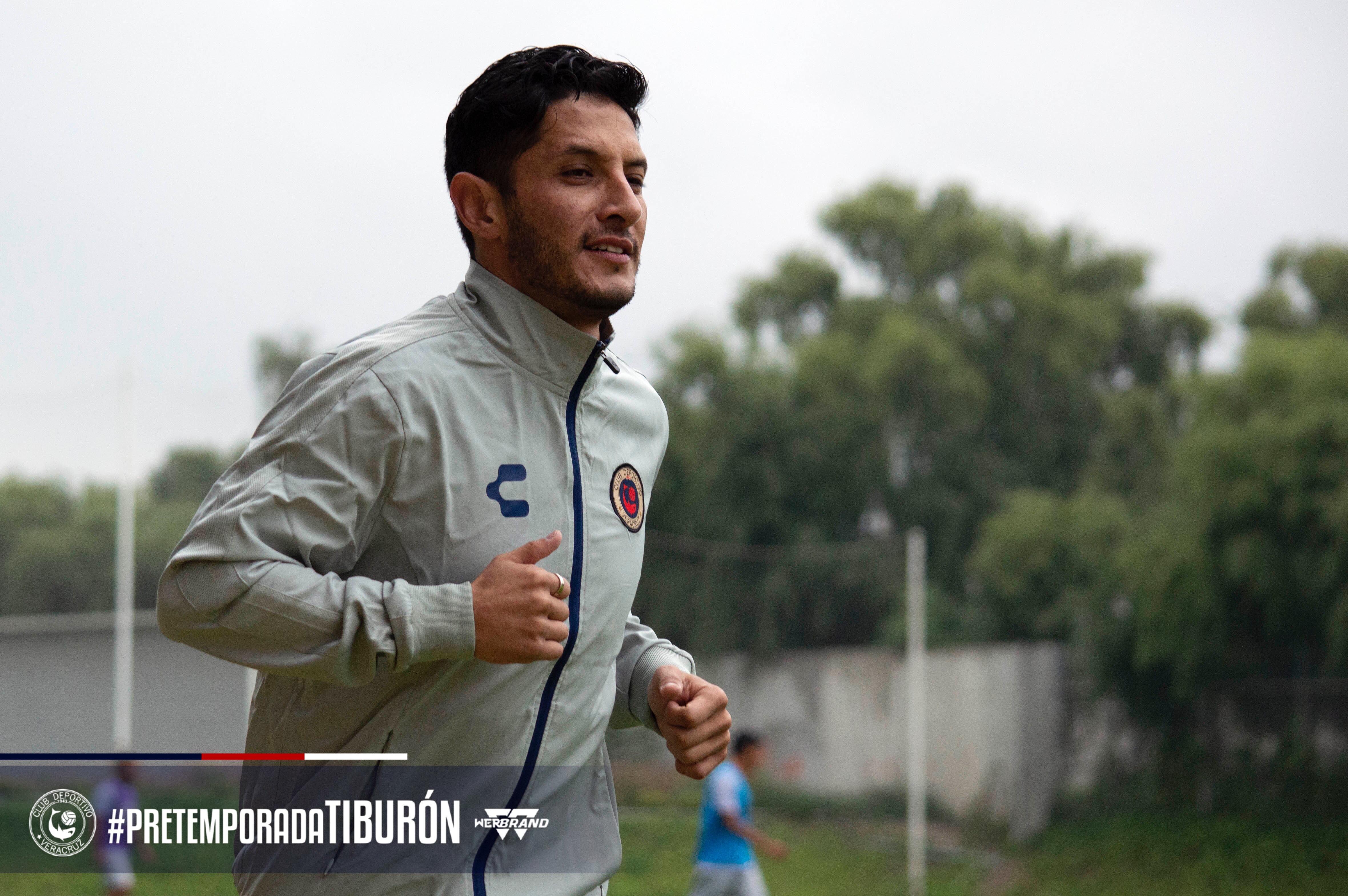 Ángel Reyna se sumó a pretemporada de Tiburones Rojos