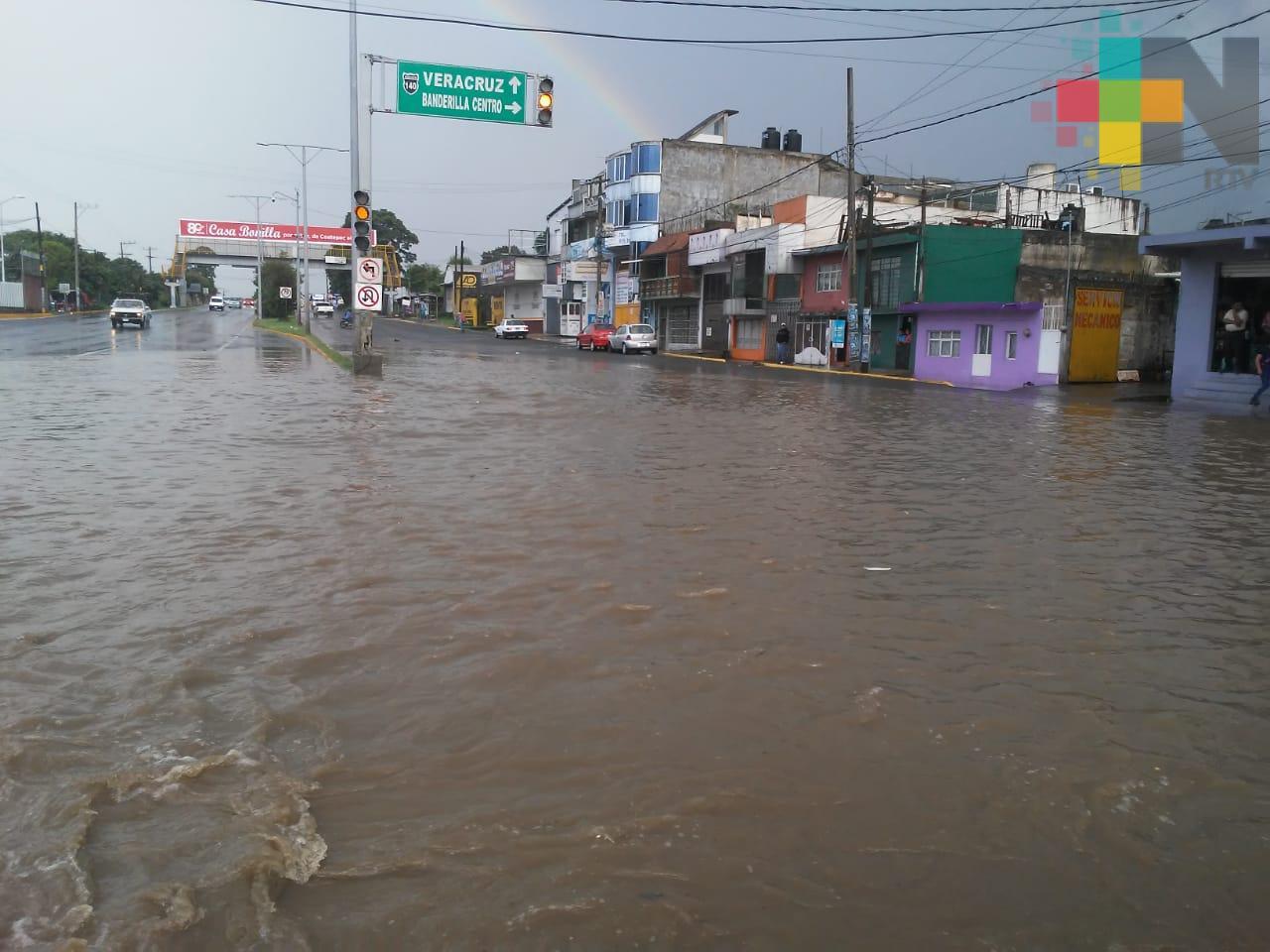 Lluvia vuelve a provocar inundaciones y anegamientos en Xalapa