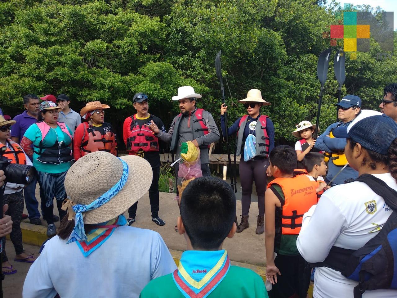 Limpian mangles en Coatzacoalcos para su preservación