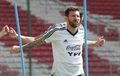 Argentina busca reivindicarse en duelo con Paraguay de Copa América