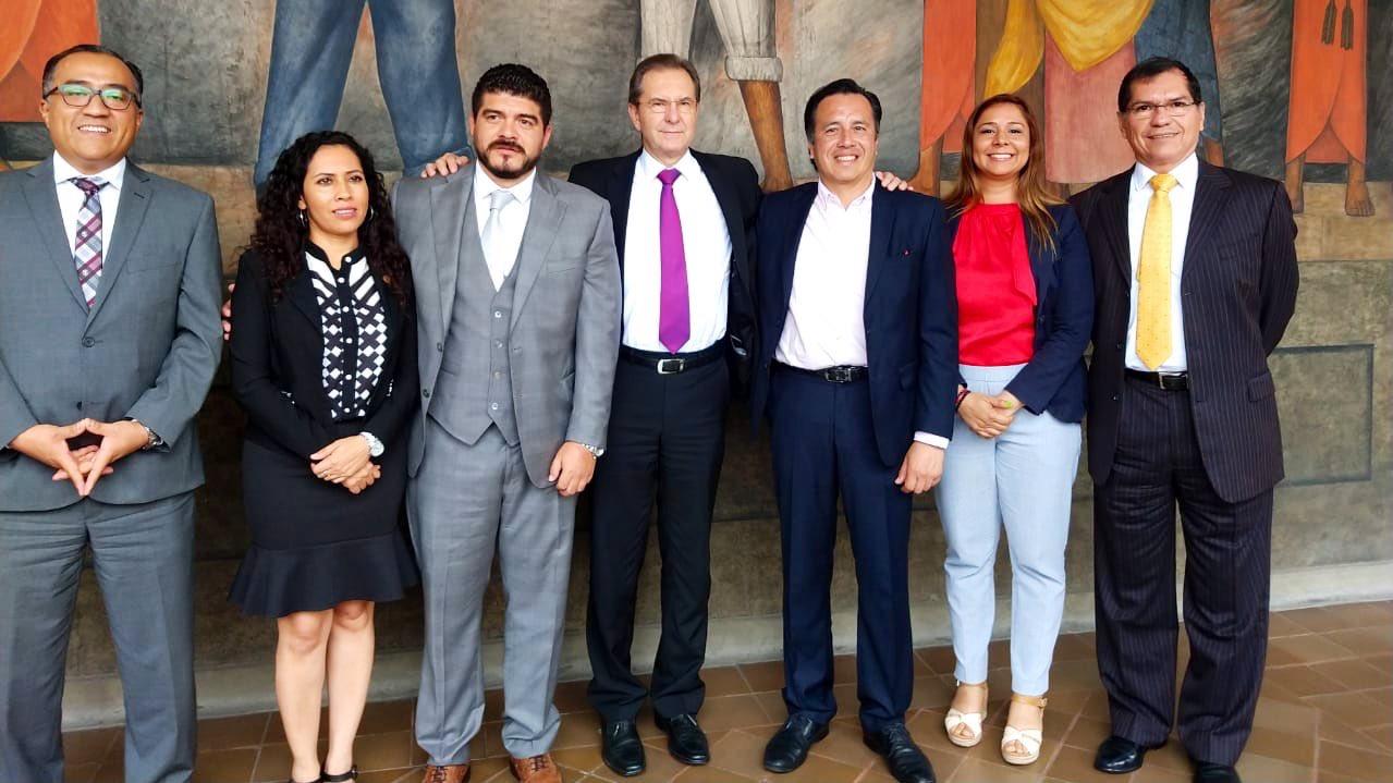 Pronto se aplicarán recursos para escuelas veracruzanas: Cuitláhuac García; se reunió con Esteban Moctezuma