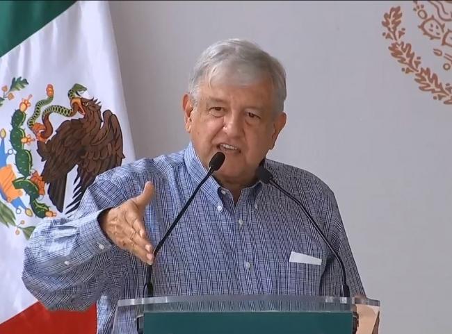 Faltan 123 mil médicos en el país, señala López Obrador