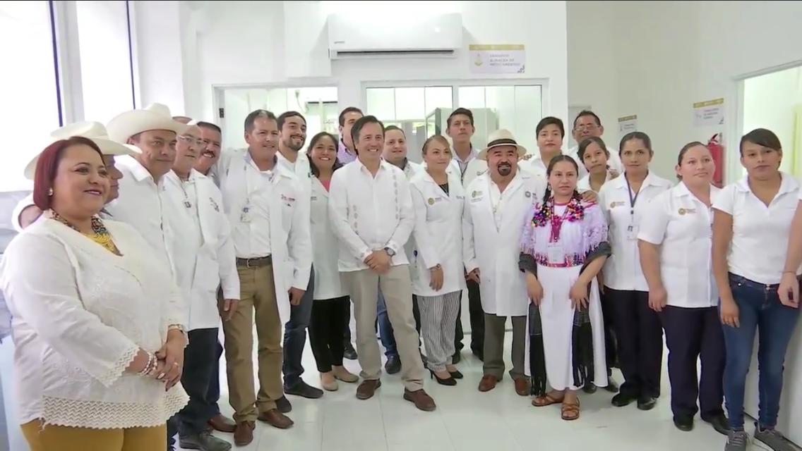 Pone en marcha el gobernador nuevo centro de salud en Atzalan