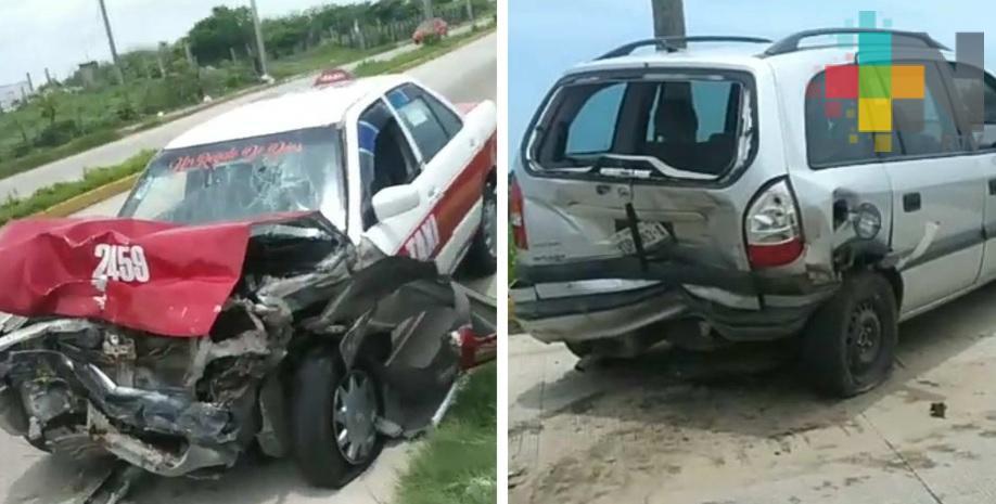 Daños materiales por más de 100 mil pesos deja choque entre camioneta y taxi en Coatzacoalcos
