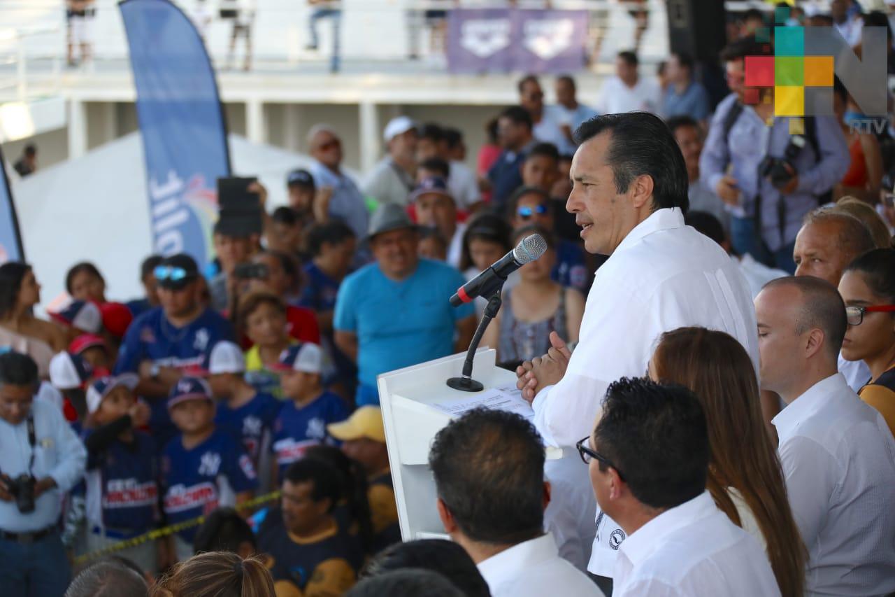 Inaugura Gobernador campeonato nacional de natación