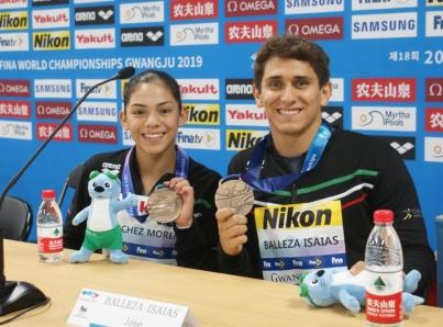 Sánchez y Balleza dan a México histórica medalla en clavados mixtos