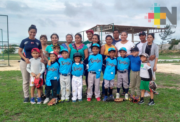 Peloteros infantiles de Coatzacoalcos Nacional en Chihuahua