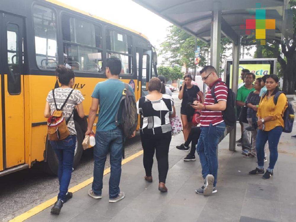 Capacitan a conductores para garantizar seguridad de mujeres y niñas en transporte público